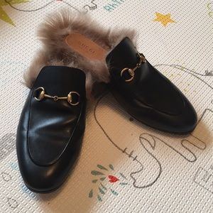 GUCCI Black Leather Fur Loafers Slippers 38